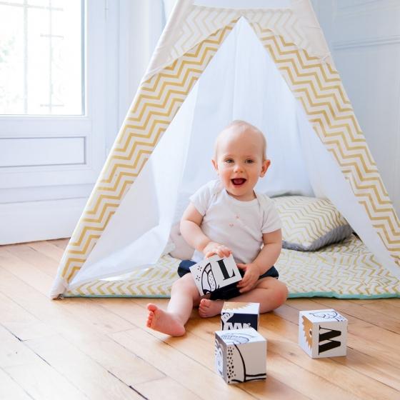 cubes pour b b les petits raffineurs. Black Bedroom Furniture Sets. Home Design Ideas