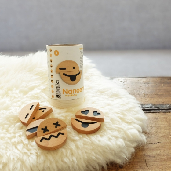 Emojis en bois aimantés